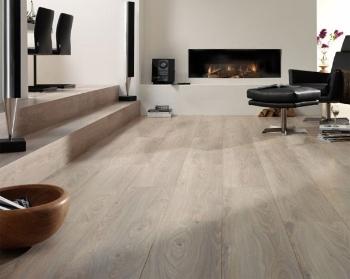 De vinyl vloer is goedkoop, makkelijk schoon te houden en in iedere ...